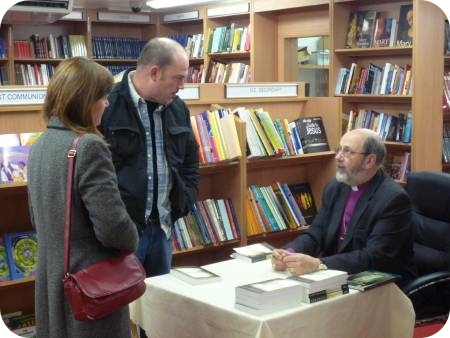 photo of Bishop Tom Wright in ST PAULS bookstore in York