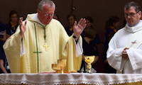 photo of Bishop Terry Drainey celebrating Mass