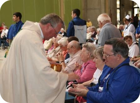 photo of Bishop Terry at Holy Communion