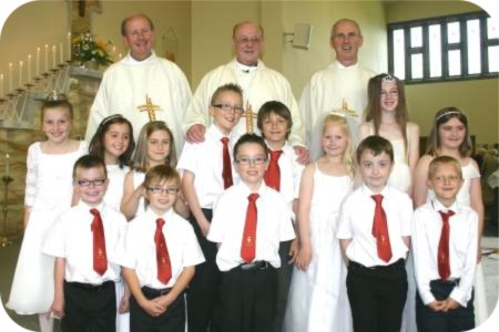 photo of clergy and First Holy Communicants at St Anthony's, Hull